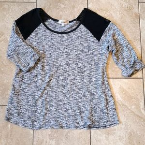 3/$12 gray top 3/4 length sleeves
